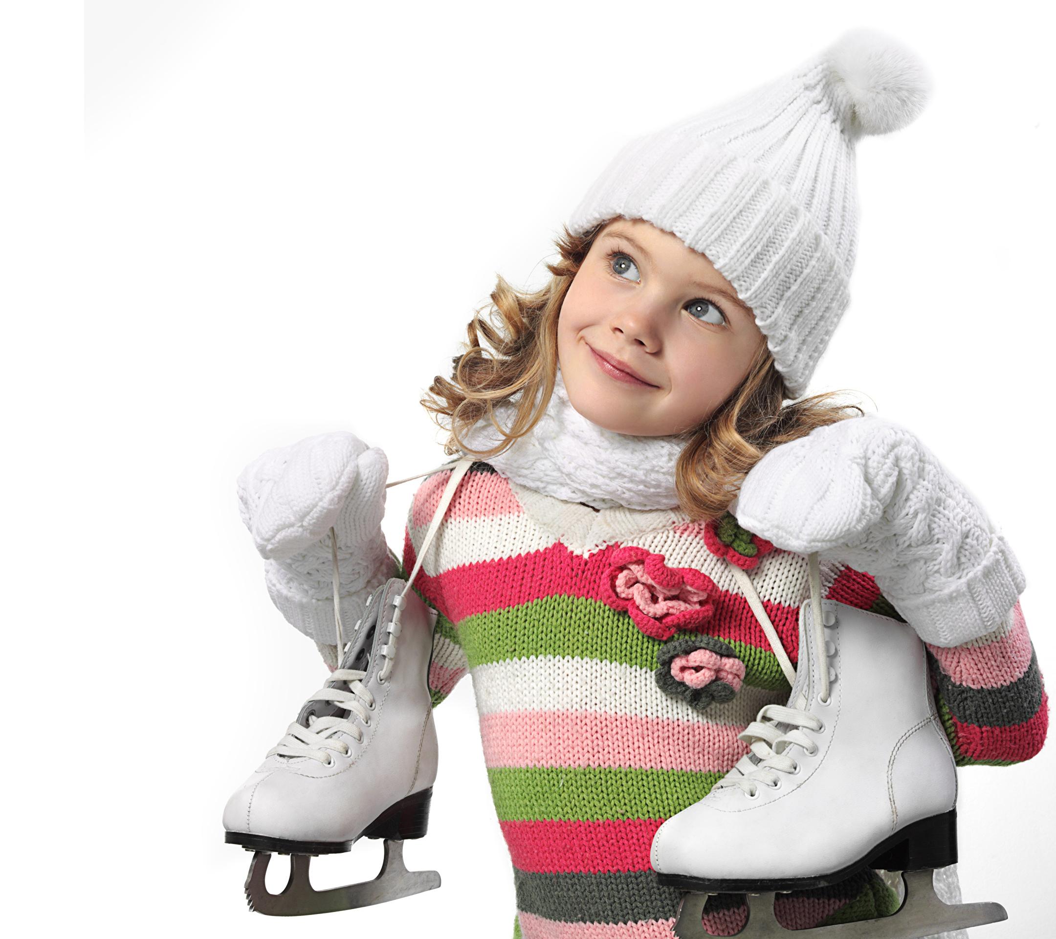 Little_girls_Ice_skate_471112